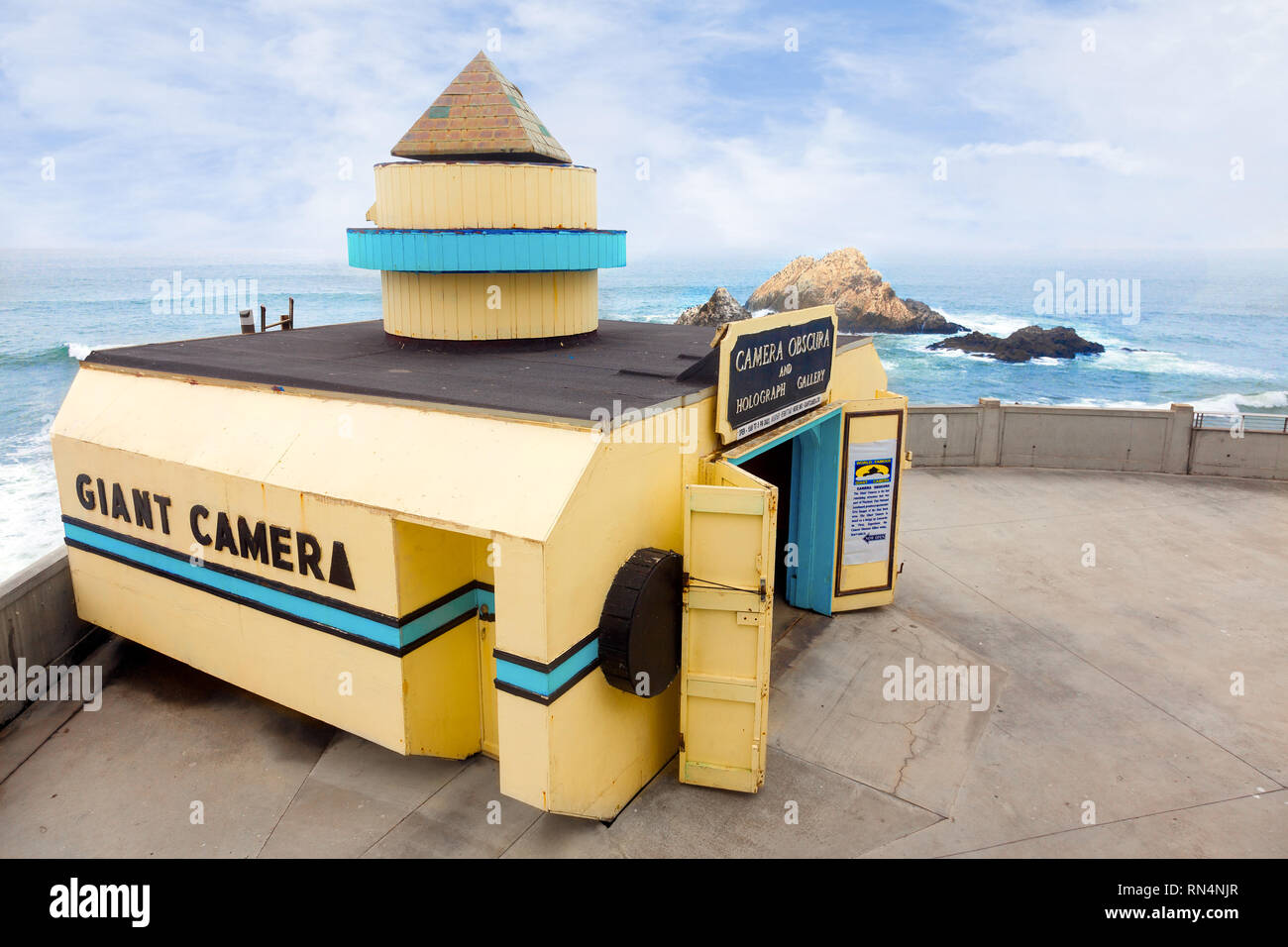 SAN FRANCISCO-The Giant Camera overlooks the sea at Ocean Beach. A tourist attraction since 1946, it is on the National Register of Historic Places. - Stock Image