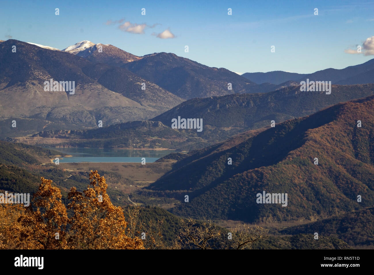 Artificial Lake Mornos from above, surrounded by the Vardousia Mountains in Central Greece. - Stock Image