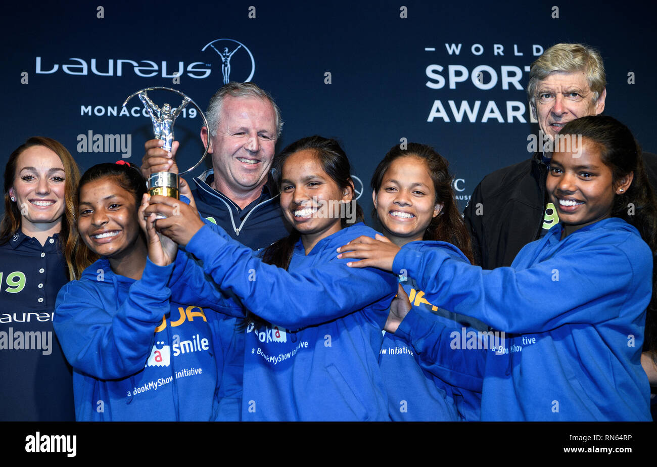 Monaco. 17th Feb, 2019. Prize: Laureus Sport for Good Award 2019: Trophy winner is the Indian social sport project Yuwa: Back left to right Kosovare Asllani, Sean Fitzpatrick (Chairman Laureus), Arsene Wenger. In front are the winners left to right Radha, Neeta, Konika and Hema, football players of the project Yuwa. GES/Sports General/Laureus World Sports Awards 2019, 17.02.2019 Sports: Laureus World Sports Awards 2019, February 17, 2019 | usage worldwide Credit: dpa/Alamy Live News - Stock Image
