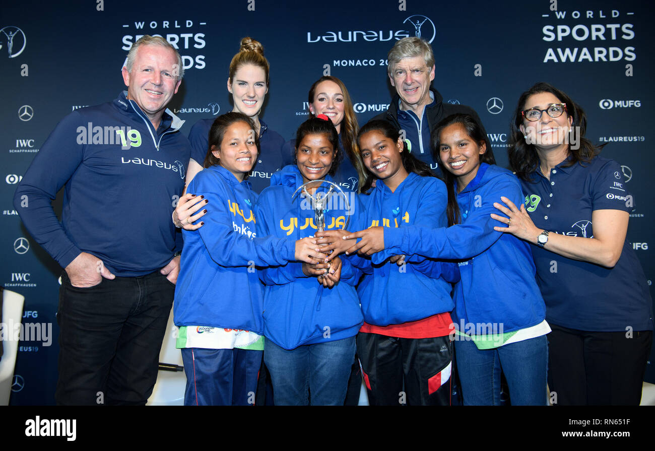 Monaco. 17th Feb, 2019. Price: Laureus Sports for Good Award 2019: The Yuwa Indian Social Sports Project: Sean Fitzpatrick (Chairman Laureus), Melissa 'Missy' Jeanette Franklin (Laureu's Ambassador), Kosovar Asllani, Arsene Wenger, Nawal El Moutawakel (Laureu's Ambassador). Front left to right Konika, Radha, Hema and Neeta, football players of the project Yuwa. GES/Sports General/Laureus World Sports Awards 2019, 17.02.2019 Sports: Laureus World Sports Awards 2019, February 17, 2019 | usage worldwide Credit: dpa/Alamy Live News - Stock Image
