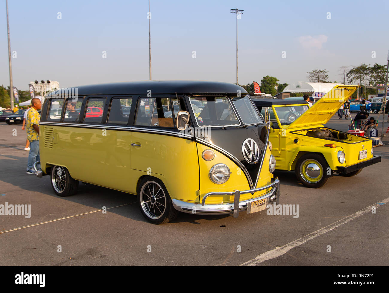 Yellow Volkswagen Camper Van High Resolution Stock Photography And Images Alamy