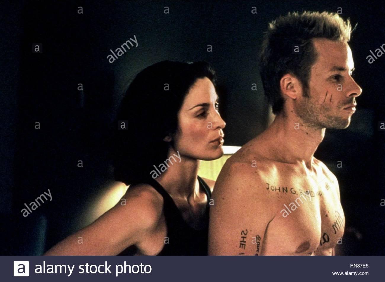 MOSS,PEARCE, MEMENTO, 2000 - Stock Image