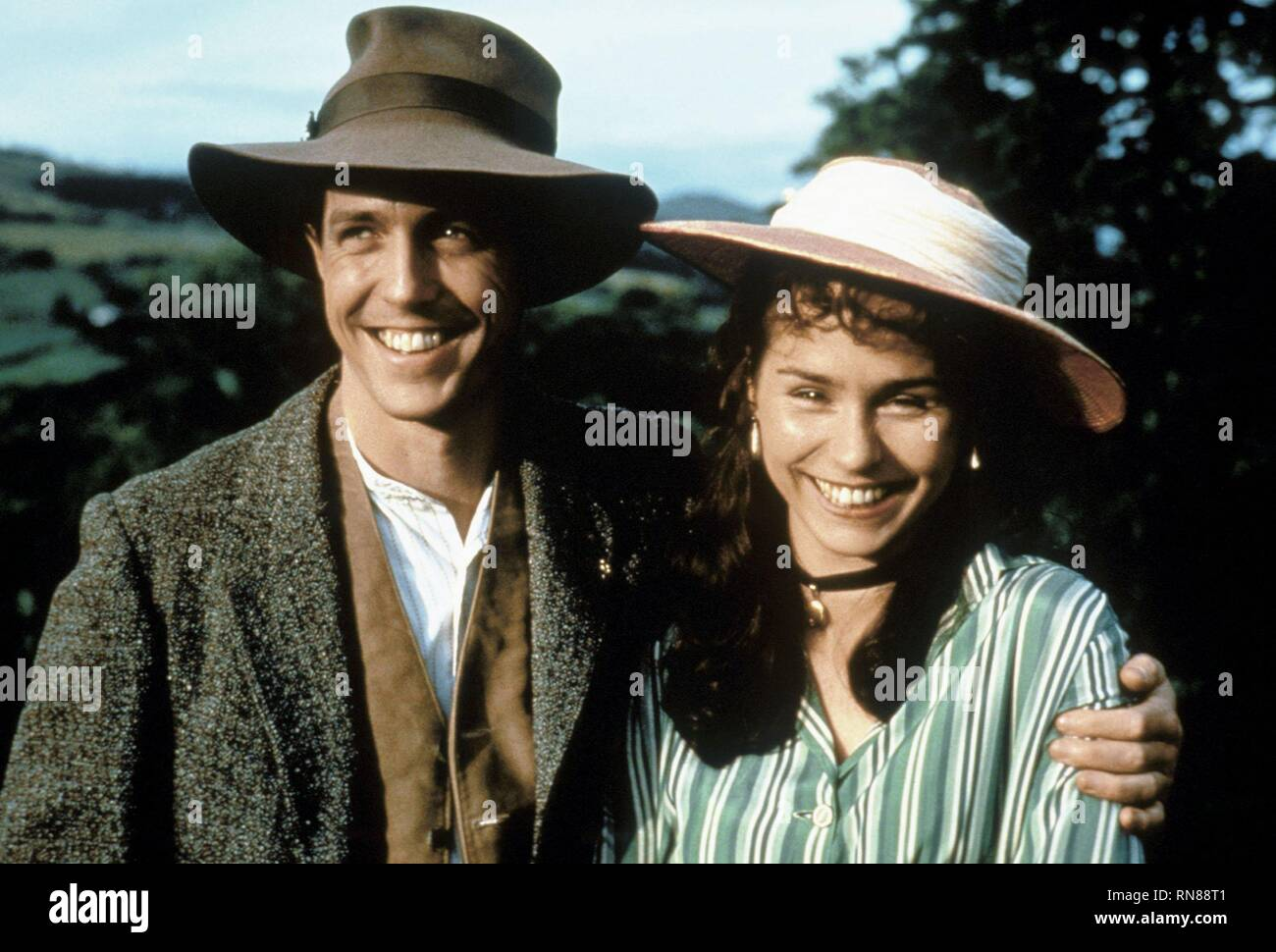 THE ENGLISHMAN WHO WENT UP A HILL BUT CAME DOWN A MOUNTAIN, HUGH GRANT , TARA FITZGERALD, 1995 - Stock Image