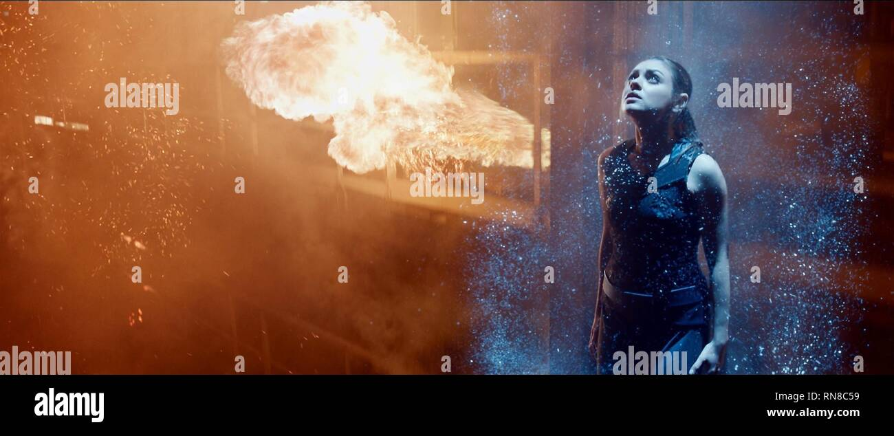 Mila Kunis Jupiter Ascending 2015 Stock Photo Alamy