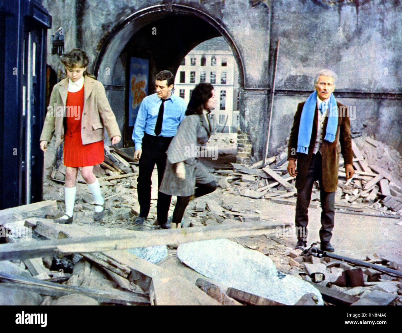 ROBERTA TOVEY, BERNARD CRIBBINS, JILL CURZON,PETER CUSHING, DR WHO  DALEKS INVASION EARTH 2150 AD, 1966 - Stock Image