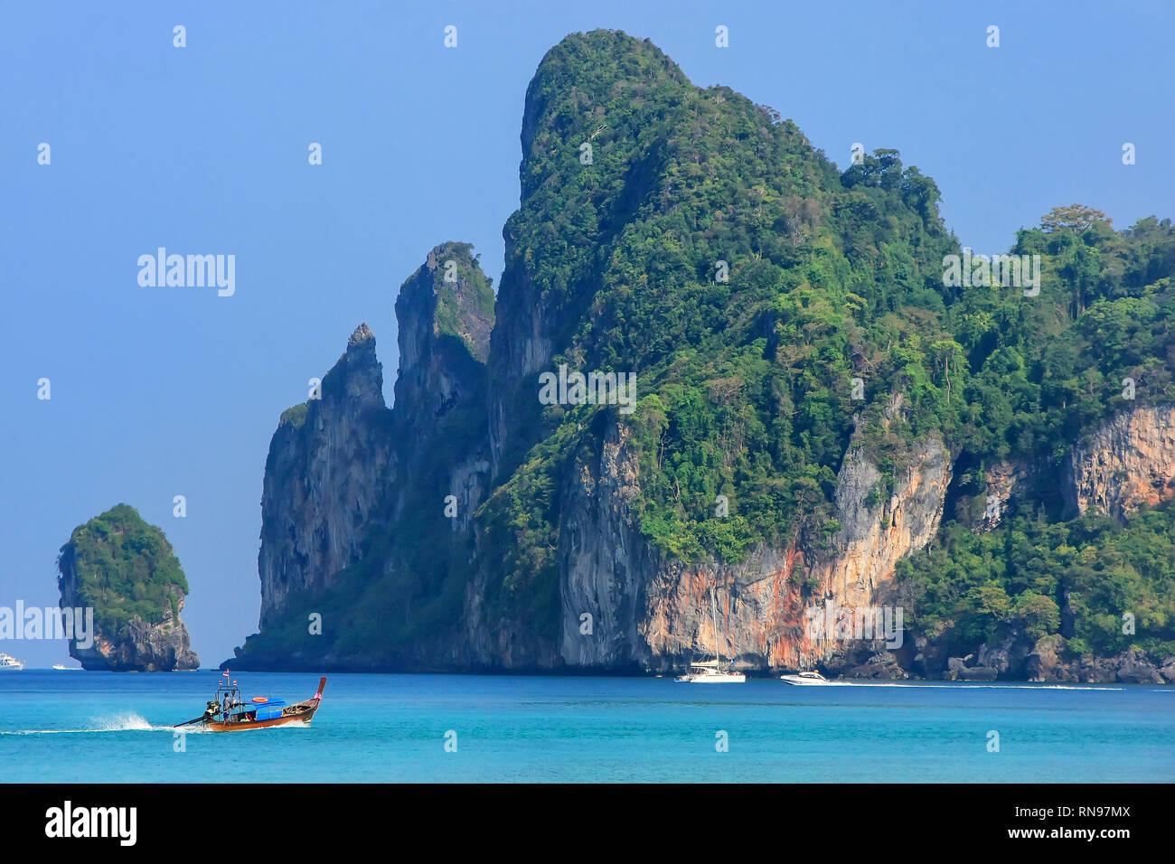 Phi Phi Islands Beaches Loh Dalum Tonsai Bay Long Beach: Loh Dalum Stock Photos & Loh Dalum Stock Images