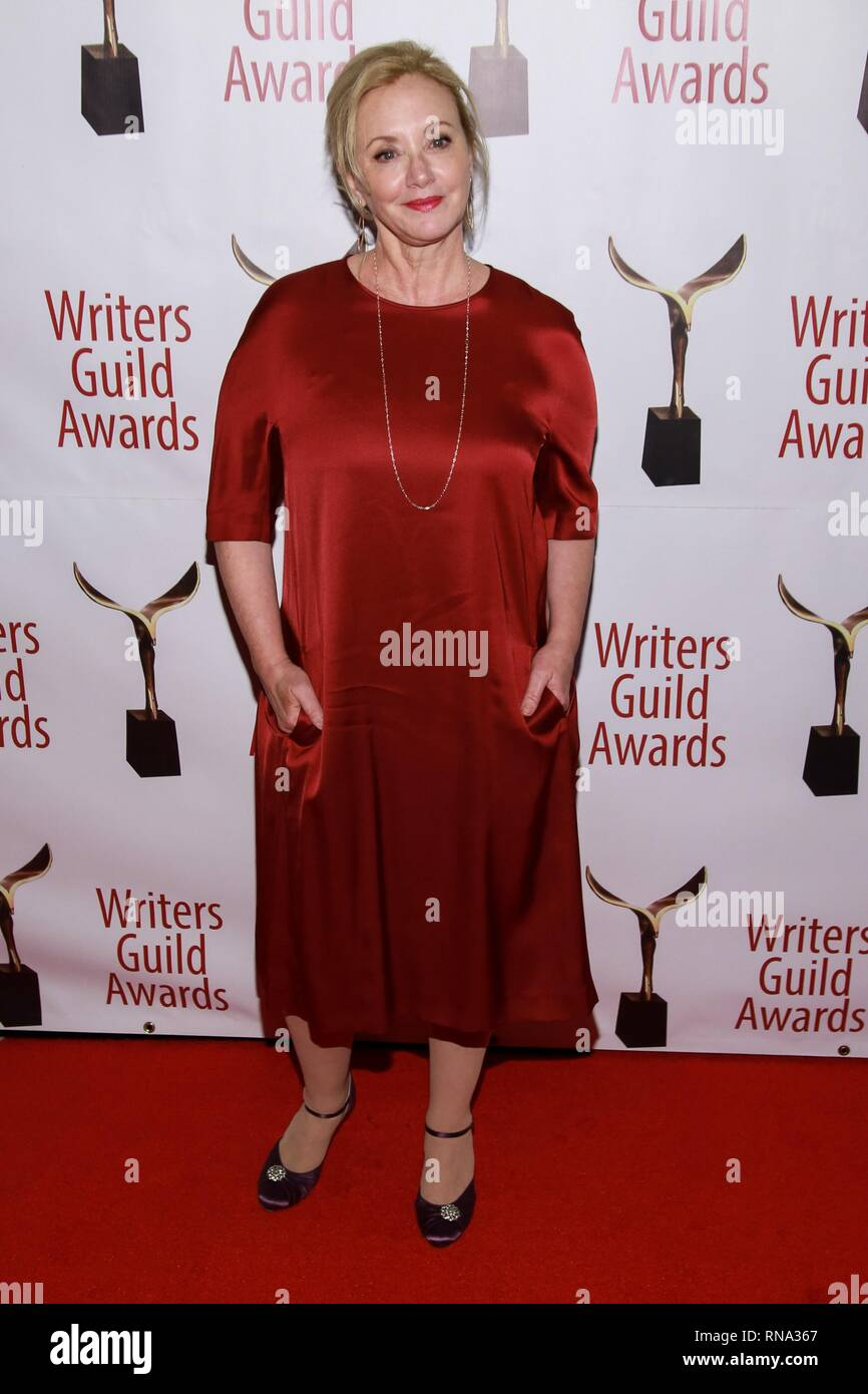 New York, NY, USA. 17th Feb, 2019. J. Smith-Cameron at arrivals for 2019 Writers Guild Awards WGA New York, The Edison Ballroom, New York, NY February 17, 2019. Credit: Jason Mendez/Everett Collection/Alamy Live News - Stock Image
