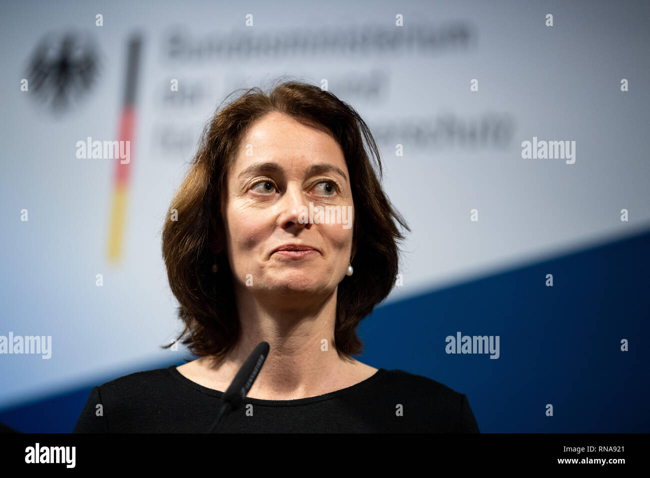 """Berlin, Germany. 18th Feb, 2019. Katarina Barley (SPD), Federal Minister of Justice, comments on the handover of and 4.7 million signatures to the Change.org campaign """"Save the Internet"""". The campaign is directed against articles 11 (ancillary copyright) and 13 (upload filters) of the EU copyright reform. Credit: Bernd von Jutrczenka/dpa/Alamy Live News Stock Photo"""