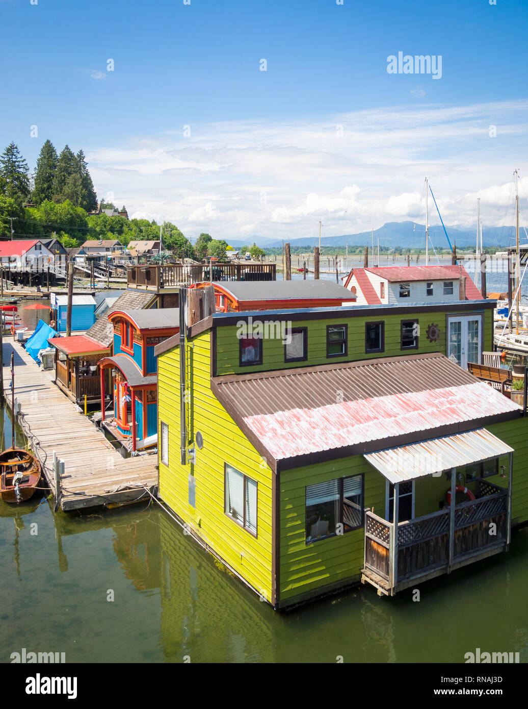 Floating homes and houseboats in Cowichan Bay, British Columbia, Canada. - Stock Image