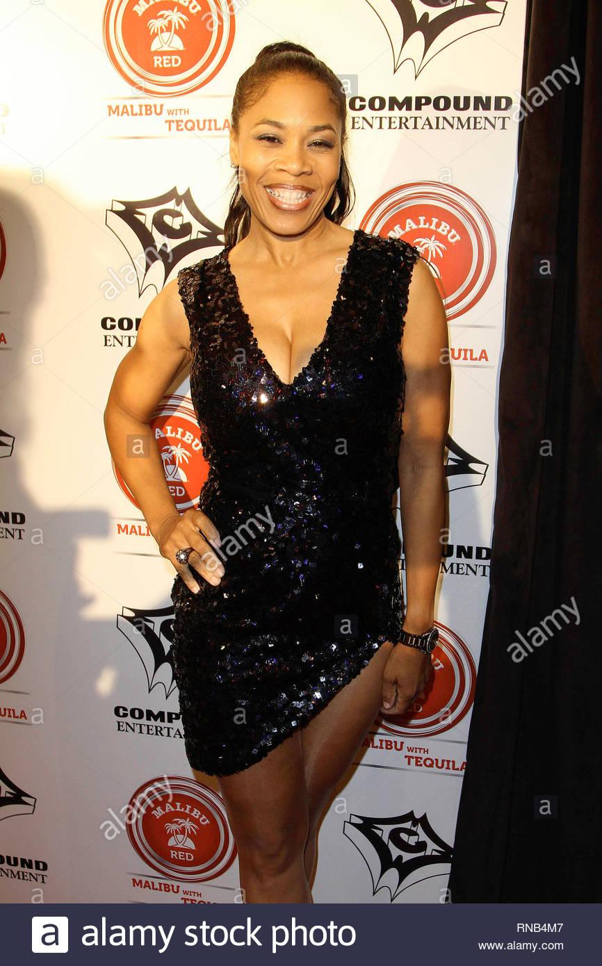Hollywood, CA - R&B artists Ne-Yo hits the red carpet this