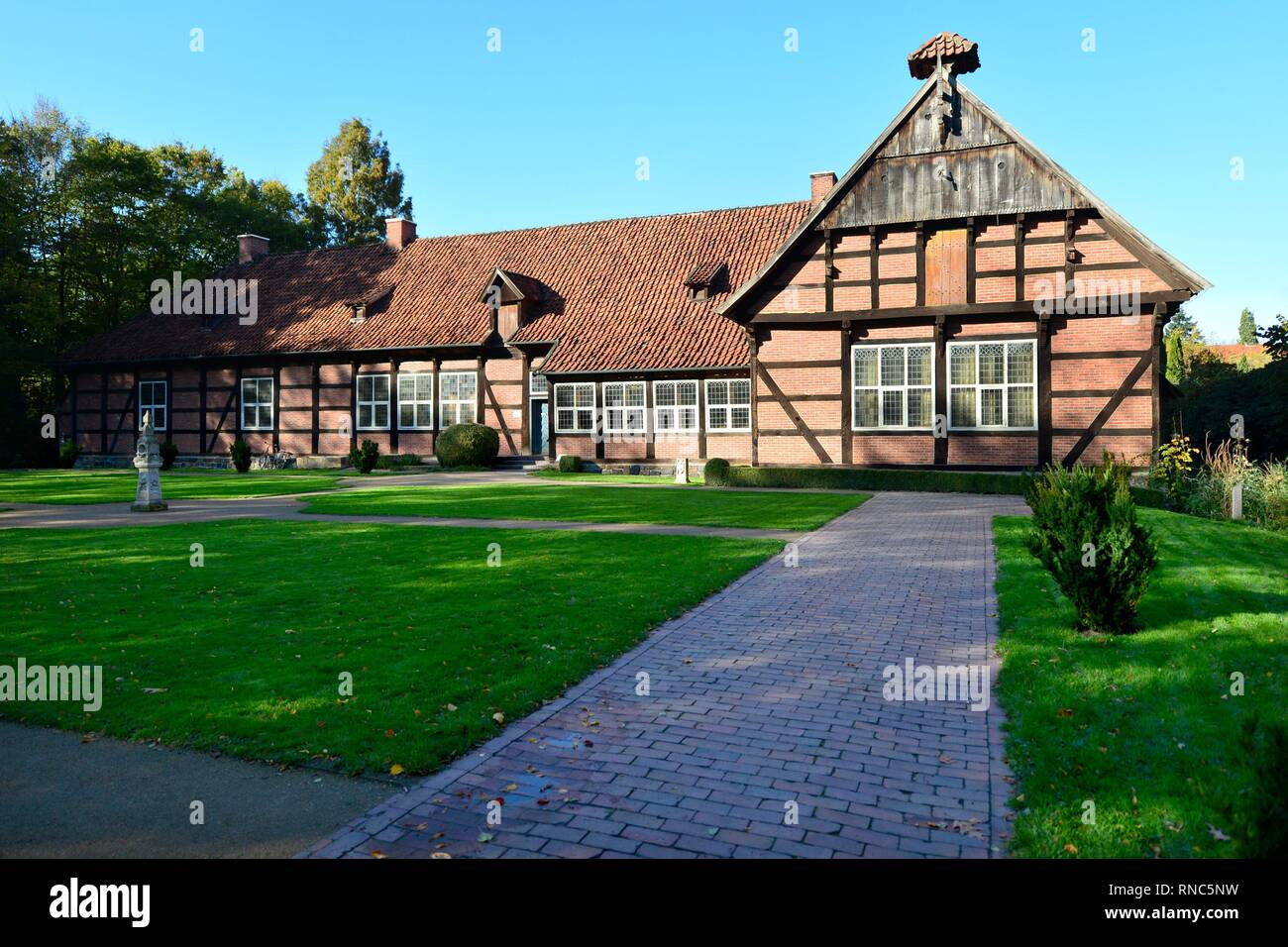 The historic manor house Arkenstede at the museum village in Cloppenburg (Germany), 31 October 2018. | usage worldwide - Stock Image
