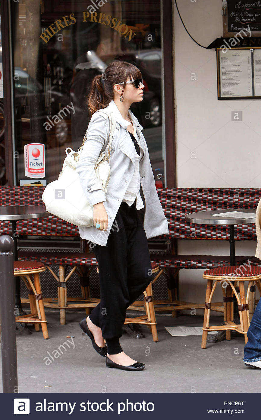 USA ONLY] Paris, France - Part 2 - Jessica Biel enjoyed the ...