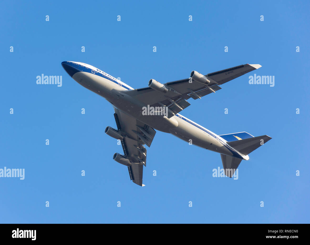 London Heathrow, UK. 19th Feb 2019. British Airways Boeing 747-436 aircraft (100 Retro-in old BOAC livery) taking off from Heathrow Airport, Greater London, England, United Kingdom Credit: Greg Balfour Evans/Alamy Live News - Stock Image