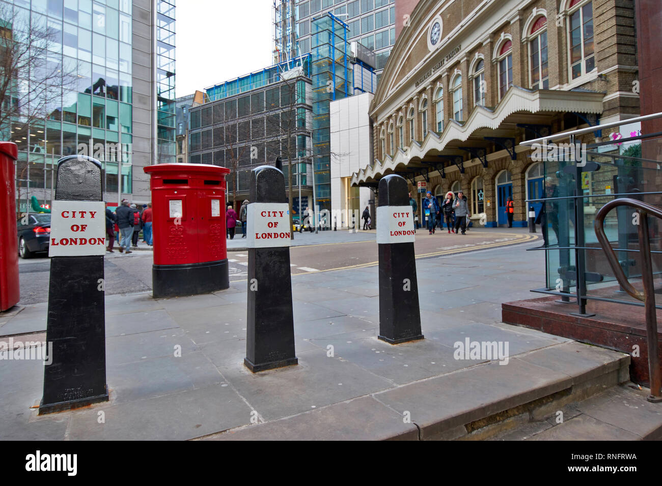 LONDON CITY OF LONDON BOLLARDS IN FRONT OF FENCHURCH STREET STATION - Stock Image