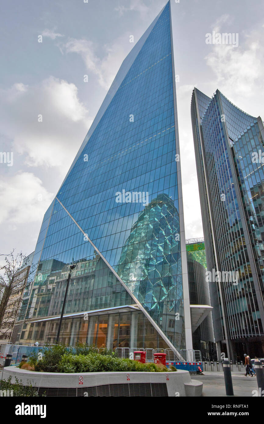 LONDON THE CITY OF LONDON LIME STREET THE SCALPEL AND WILLIS  BUILDINGS OR SKYSCRAPERS - Stock Image