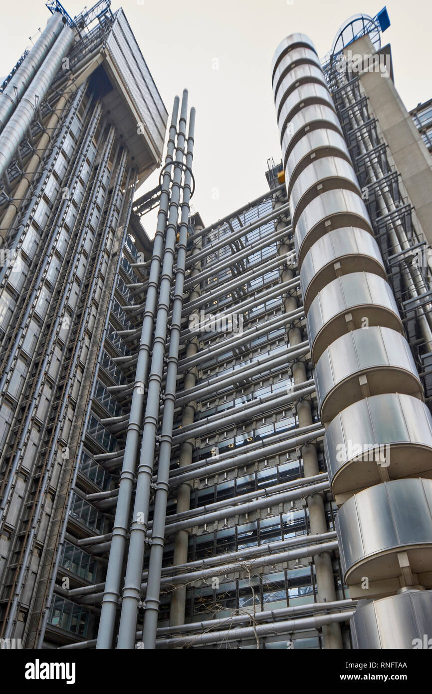 LONDON THE CITY OF LONDON LLOYDS OF LONDON INSURANCE BUILDING THE INSIDE OUT STRUCTURE - Stock Image