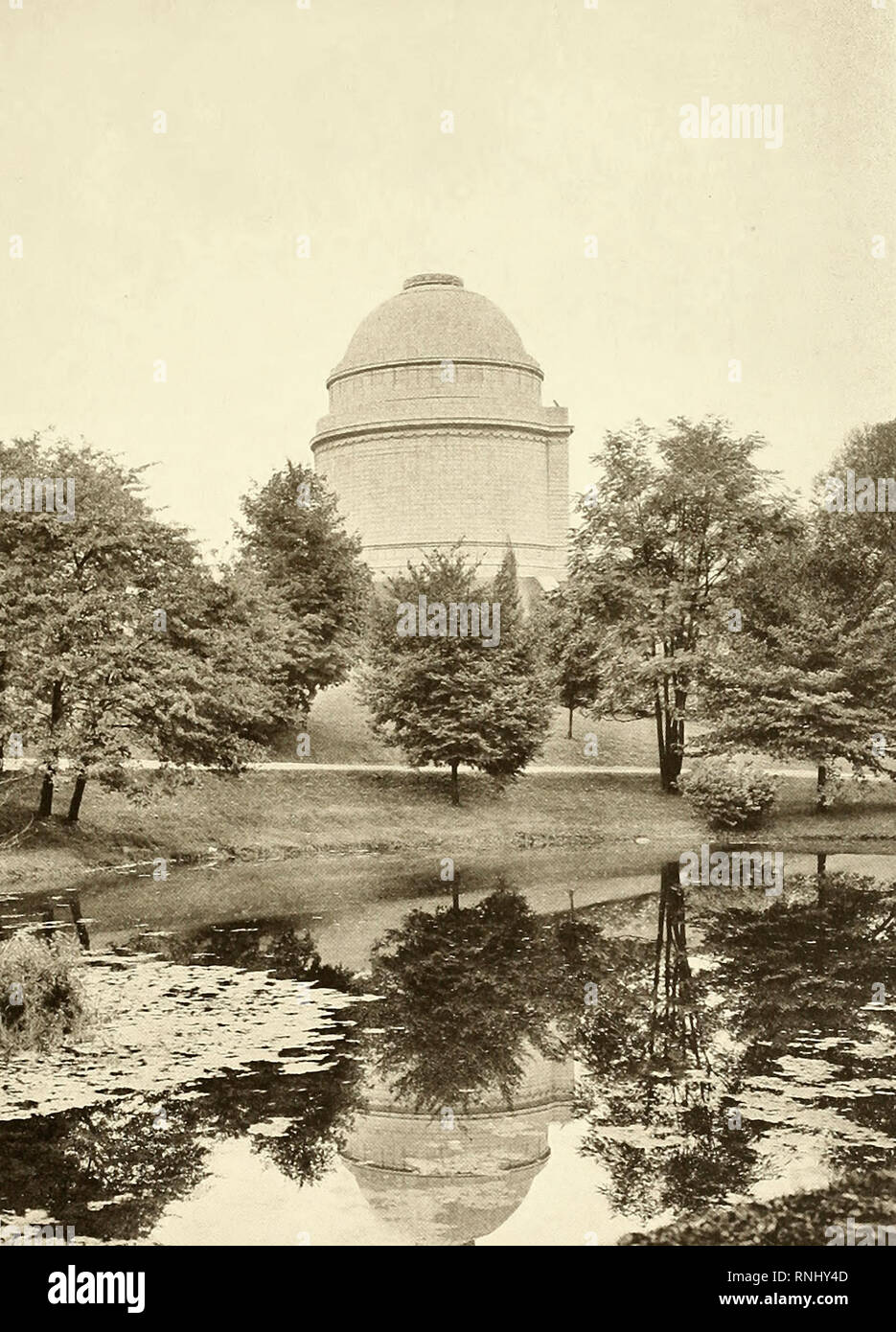 A View of the Dome from the West - The Tomb of President William McKinley, circa 1907 - Stock Image