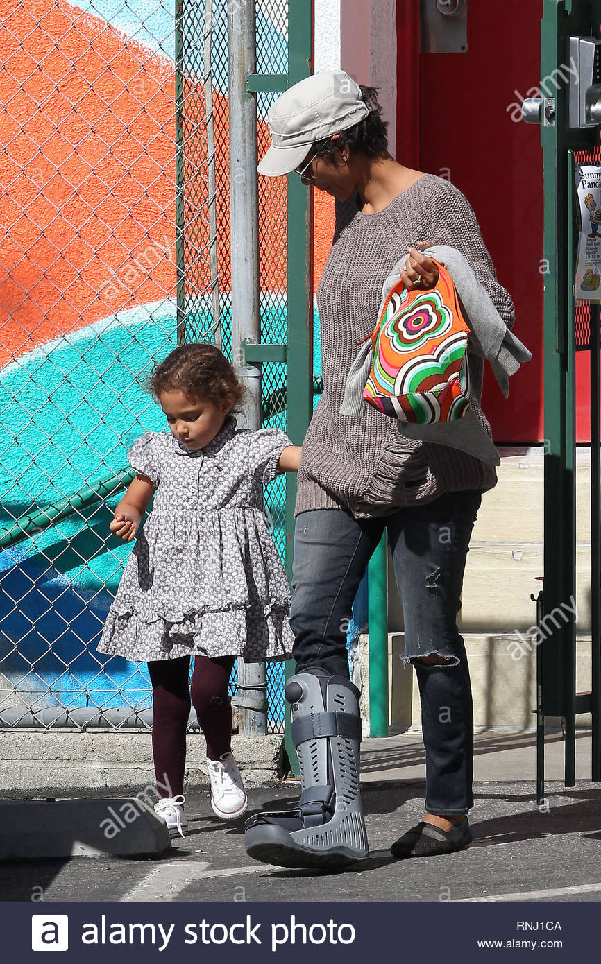 Beverly Hills, CA - Halle Berry is on mommy duty today and