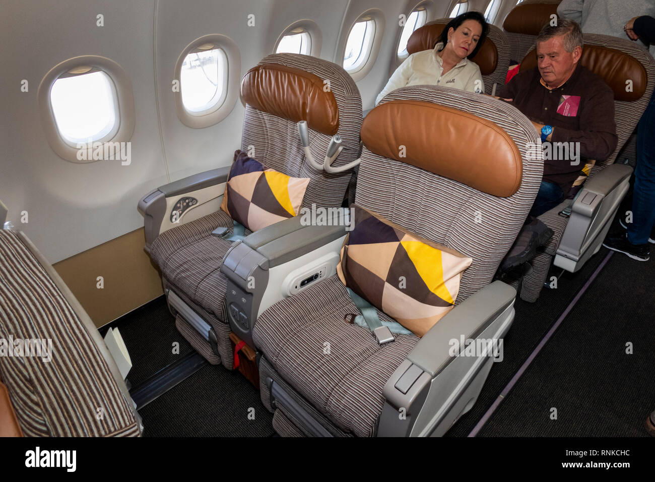Air Travel, Etihad Airways Airbus A320 aircraft, Business Class cabin, seats for short-haul flight - Stock Image