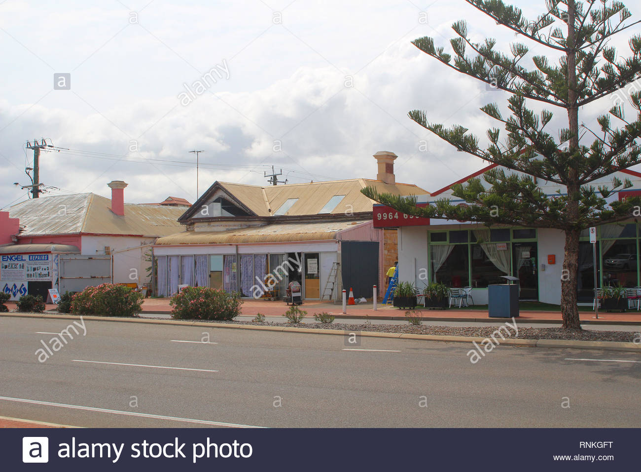 Geraldton / Australia: Coastal town in Western Australia - Cafe and shops at the main street - Stock Image