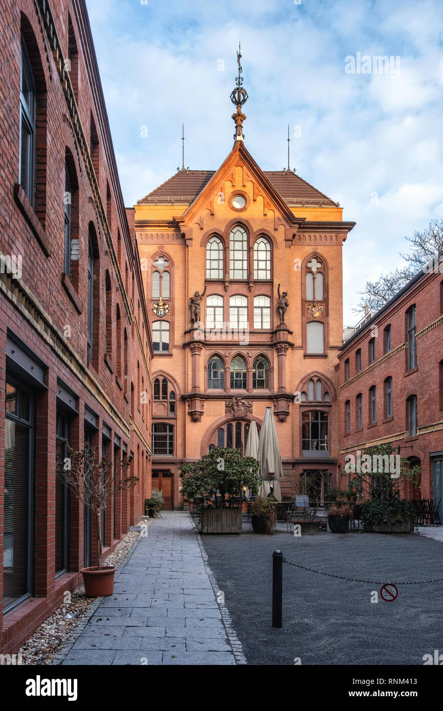 Berlin Mitte Katz Orange Restaurant In Courtyard Of The Former