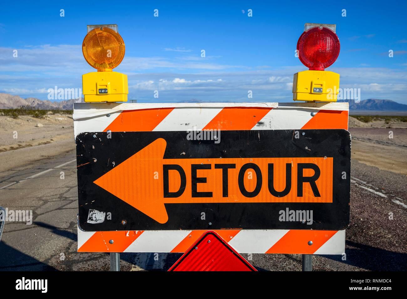 Road sign, Detour, roadblock with detour, Historic Route 66, Ludlow, California, USA - Stock Image