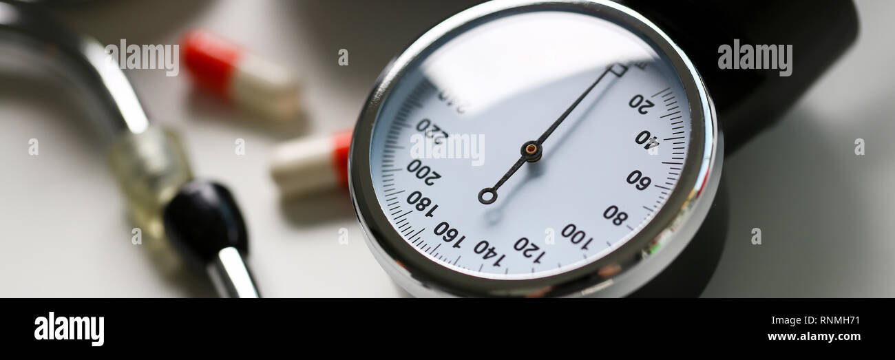 Device for measuring blood pressure in doctor - Stock Image