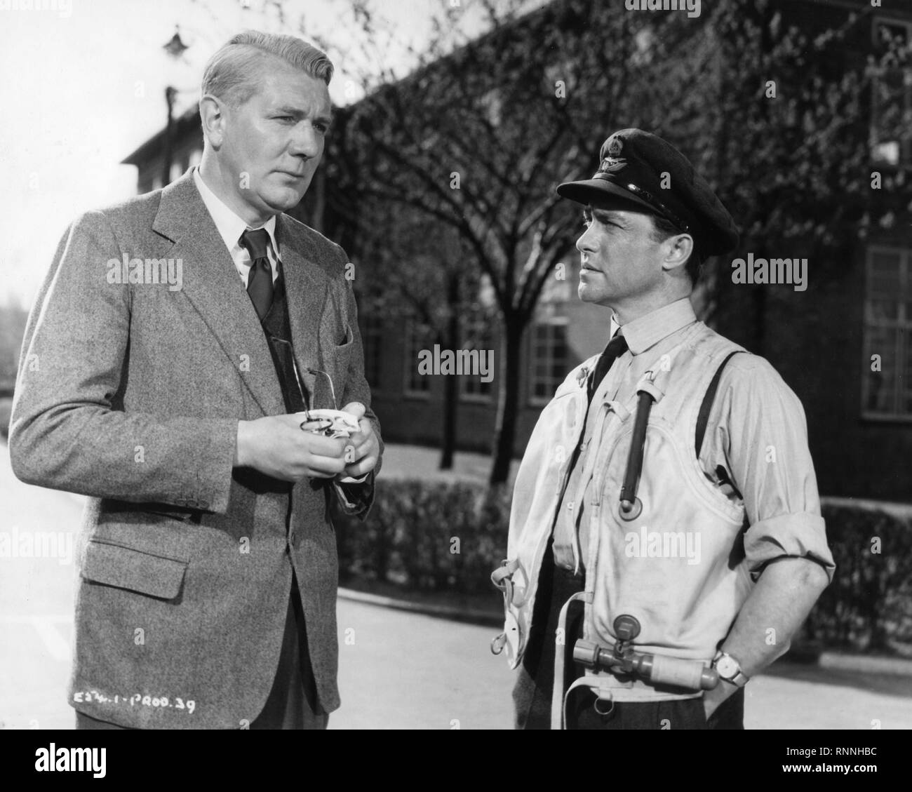 Michael Redgrave Richard Todd The Dam Busters 1954 Barnes Wallis Guy Gibson Associated British - Stock Image