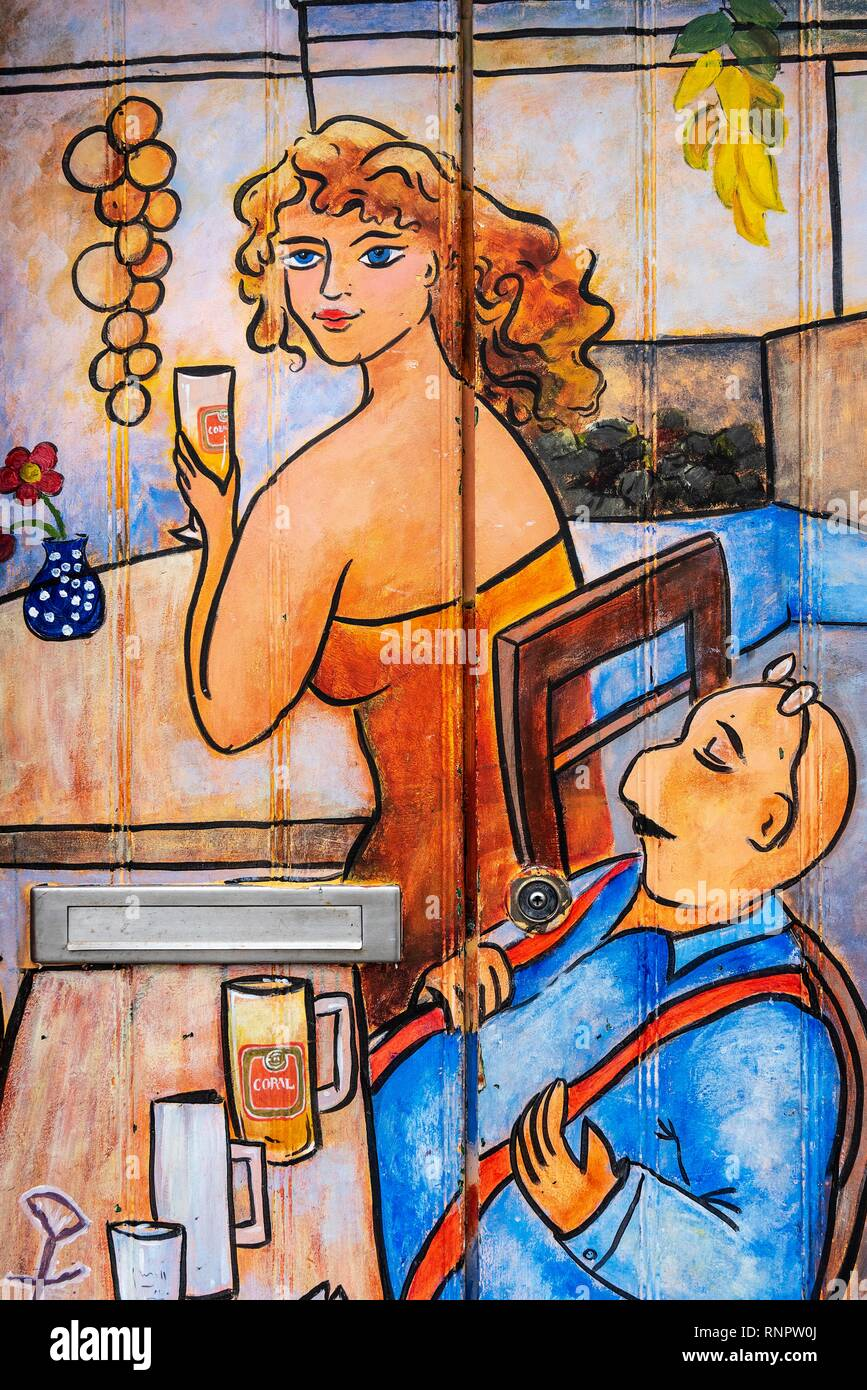 Woman and man drinking beer, pub scene, artfully painted front door, painting, street art, Funchal, Madeira, Portugal - Stock Image