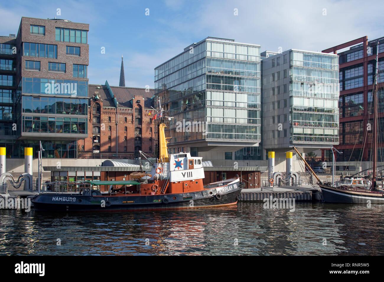 Historic tugboat 'Fairplay VIII' at the Sandtorhafen in Hamburg, Germany. - Stock Image