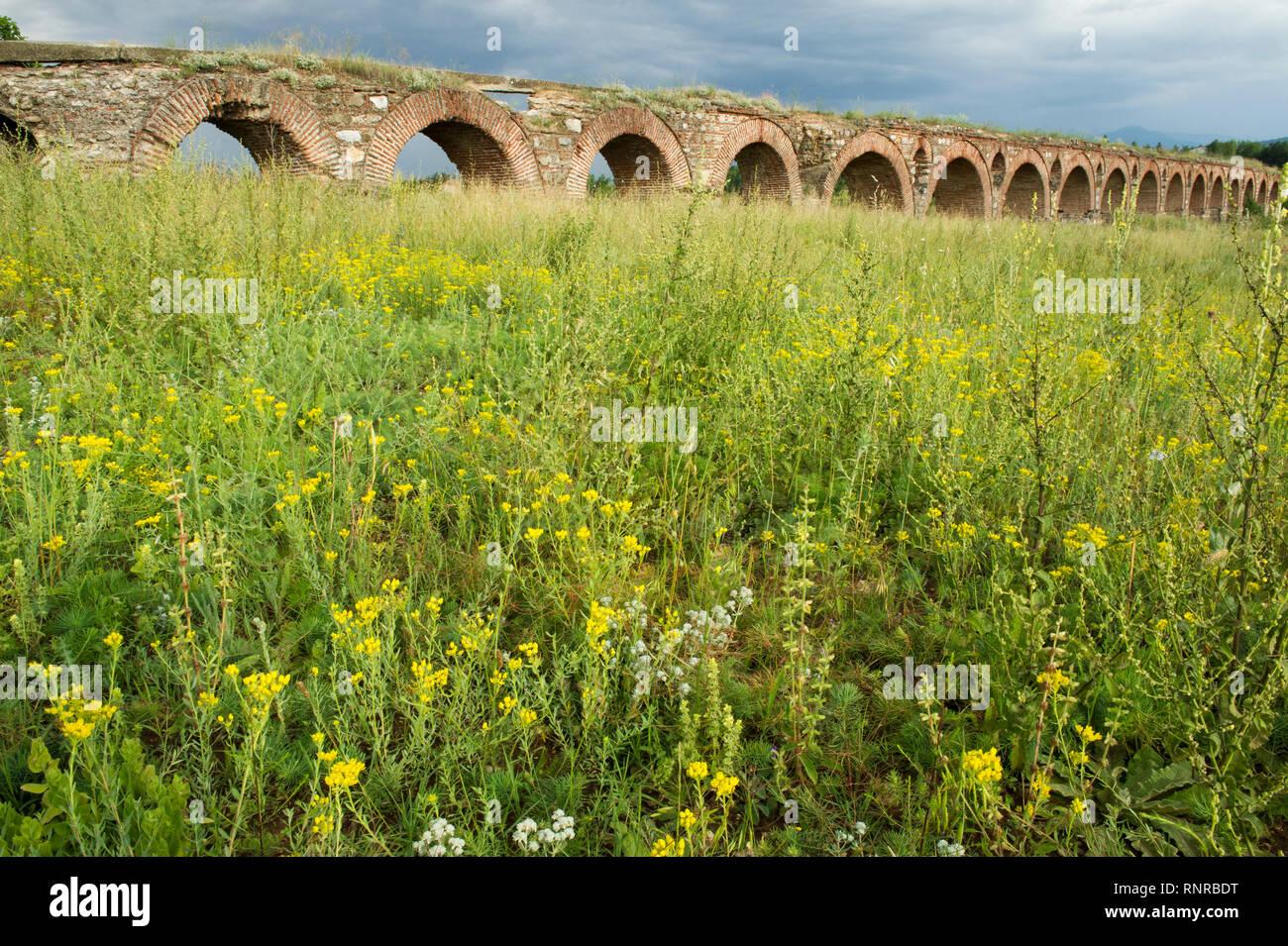 Skopje Aqueduct, Skopje, Macedonia - Stock Image
