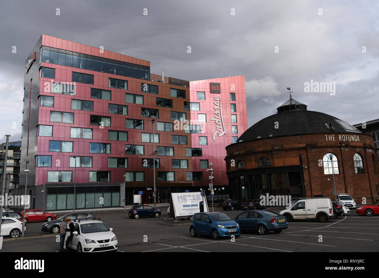 Radisson Red Hotel, Glasgow, Scotland, UK. Situated on the River Clyde next to the SECC. - Stock Image