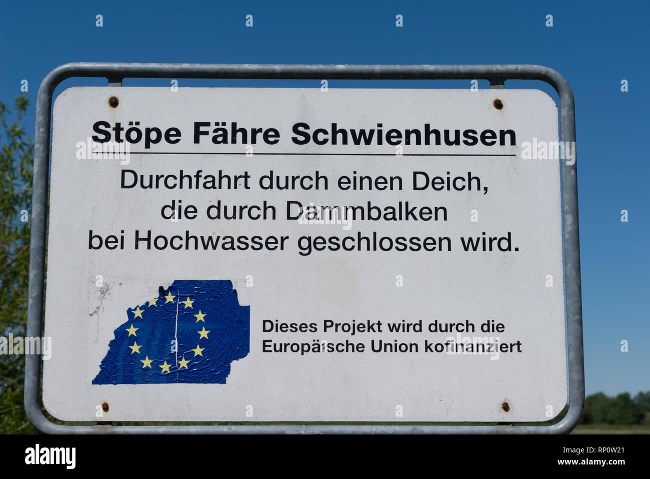 Stöpe im Deich, Alte Eiderquerung,  Faehre Delve - Bargen, Eider-Treene-Sorge-Niederung, Delve, Dithmarschen, Schleswig-Holstein, Deutschland, Germany - Stock Image