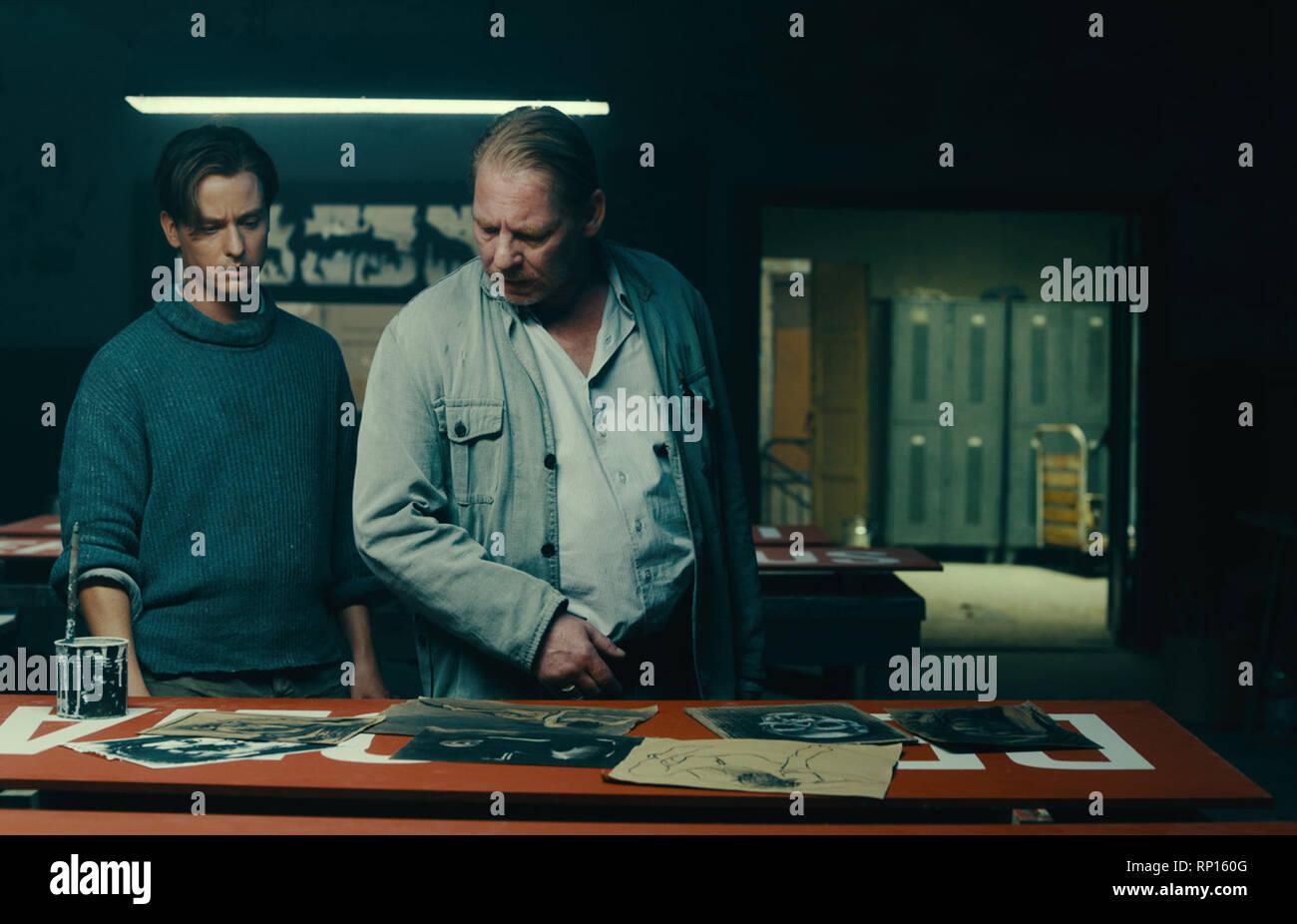 Prod DB © Pergamon Film - Wiedemann & Berg Filmproduktion - Beta Cinema - ARD Degeto Film / DR NEVER LOOK AWAY WERK OHNE AUTOR de Florian Henckel von - Stock Image