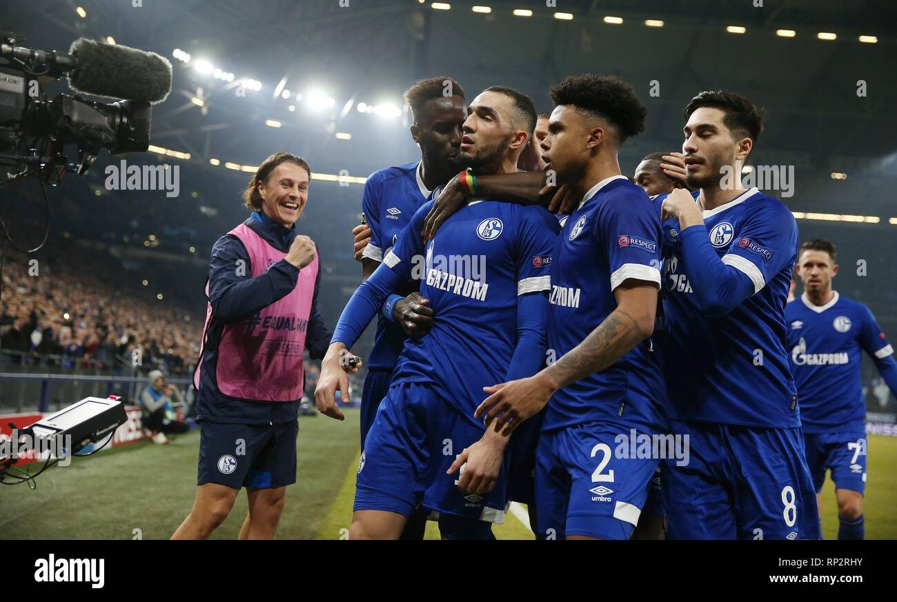 2b9b425a UEFA Champions League football, round of 16, 1st leg, FC Schalke versus  Manchester City; Goal celebration for 1-1 by Nabil Bentaleb Credit: Action  Plus ...