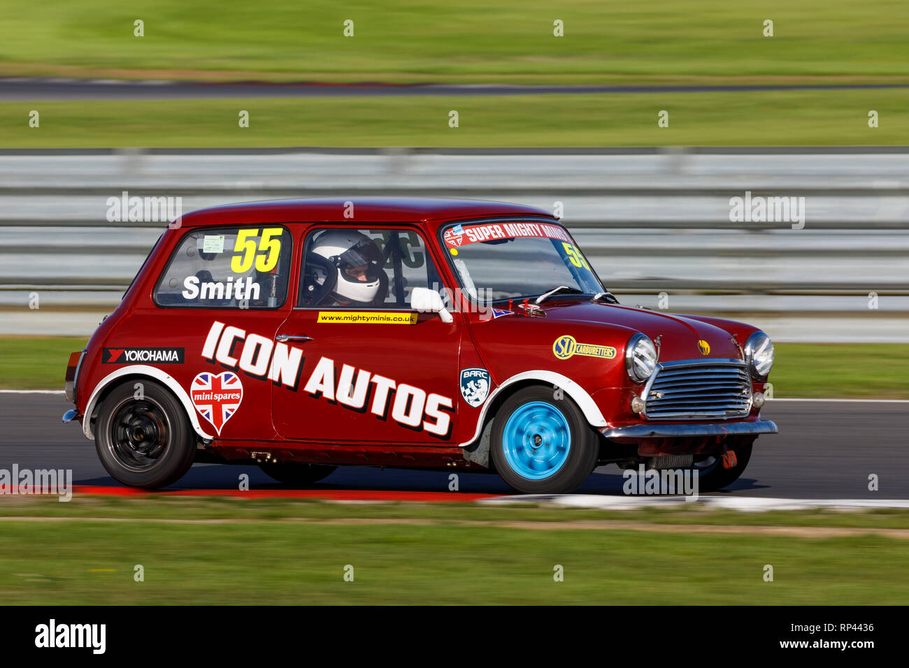 Jeff Smith in his Super Mighty Minis Championship race entrant at Snetterton 2018, Norfolk, UK. - Stock Image