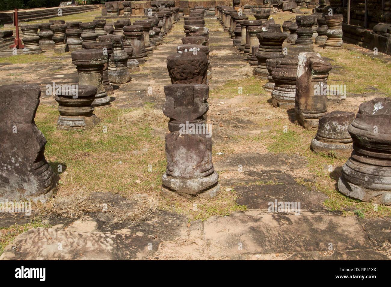 Siem Reap-Baphuon temple columns path 1 - Stock Image