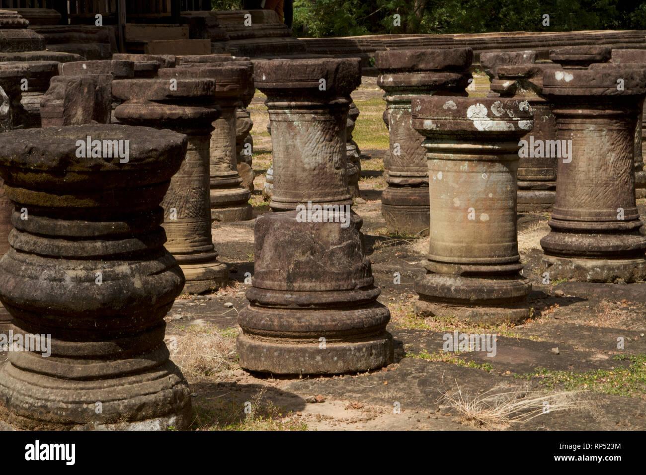 Siem Reap-Baphuon temple columns path 3 Stock Photo