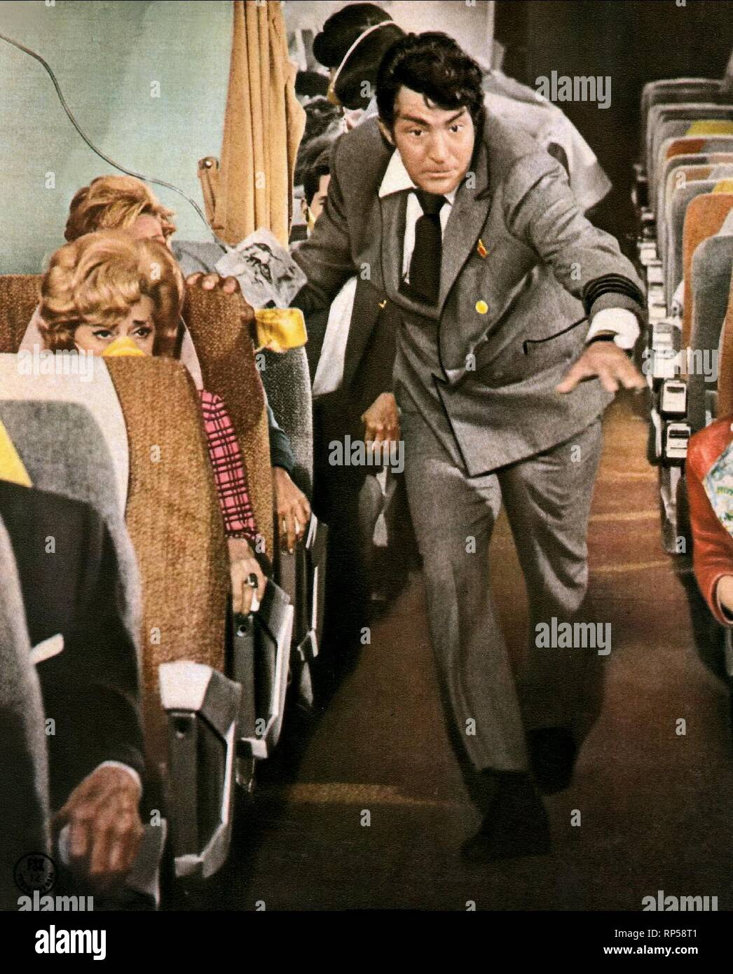 DEAN MARTIN, AIRPORT, 1970 Stock Photo - Alamy