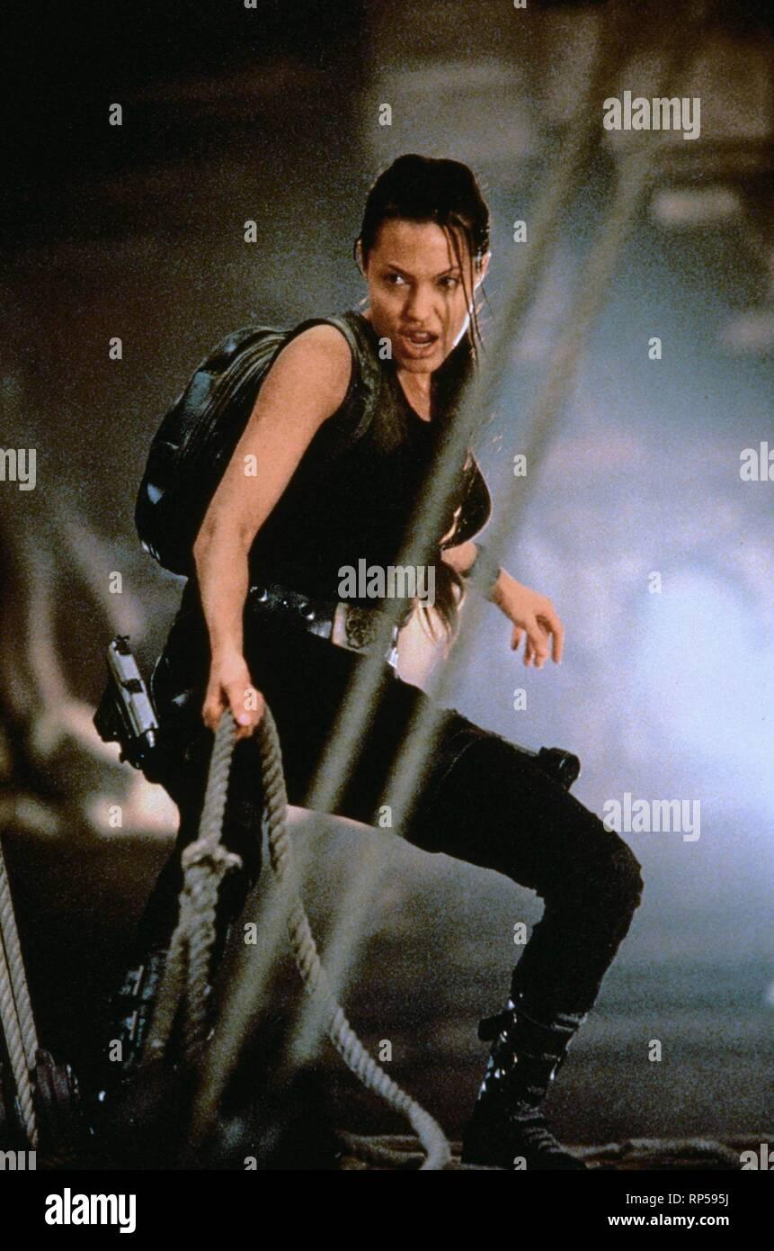 Lara Croft Tomb Raider Angelina Jolie 2001 Stock Photo Alamy