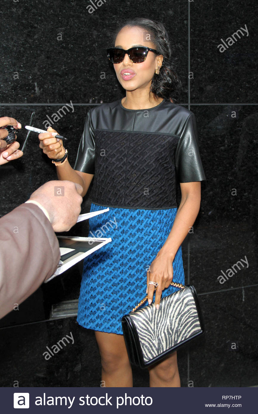 6c599f6e93 ... NY - Kerry Washington shows up for a taping of