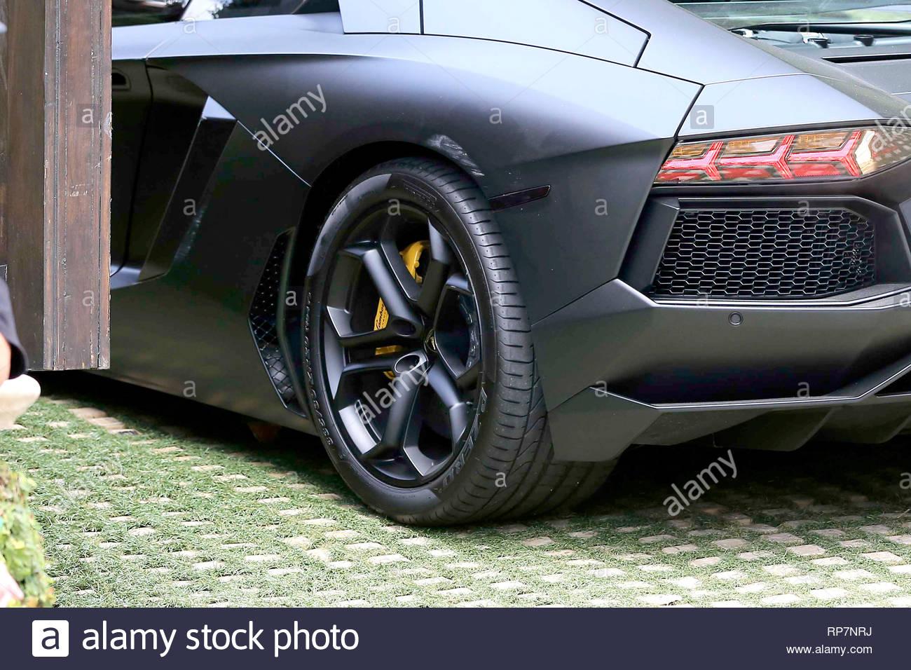 Beverly Hills Ca Kanye West S Lamborghini Aventador Lp 700 4