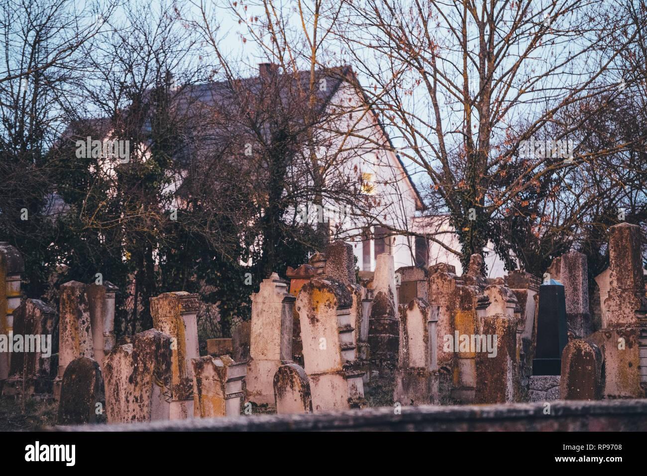 Jewish cemetery in Quatzenheim near Strasbourg, Alsace, France - street view  - Stock Image