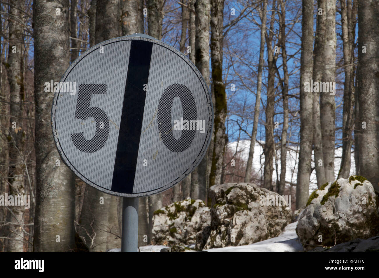 Lazio-End of 50 Km speed limit on road SR509 - Stock Image