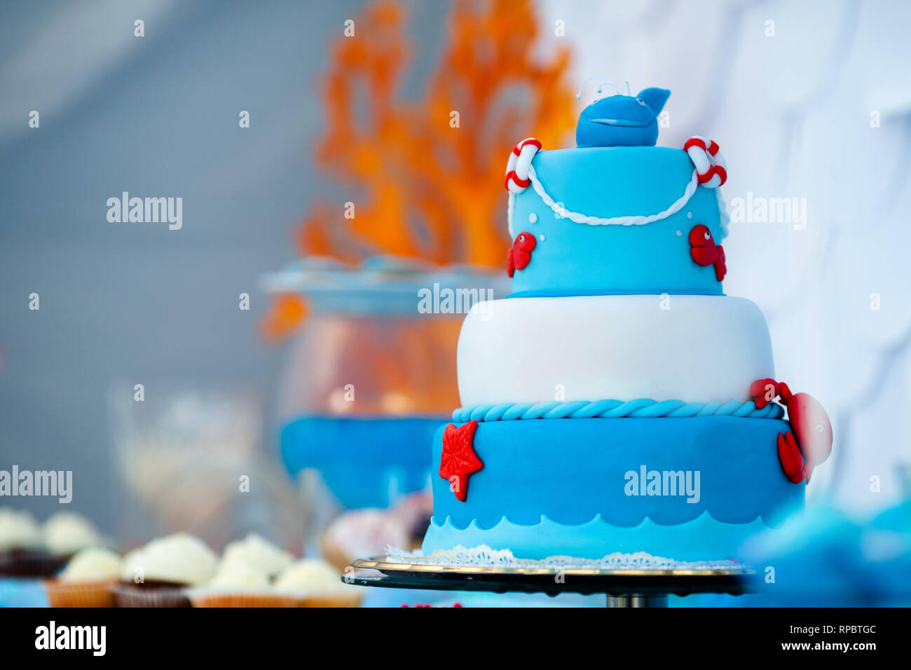 Pleasing Huge Blue And White Birthday Cake With Sweet Crab Fish Starfish Funny Birthday Cards Online Alyptdamsfinfo