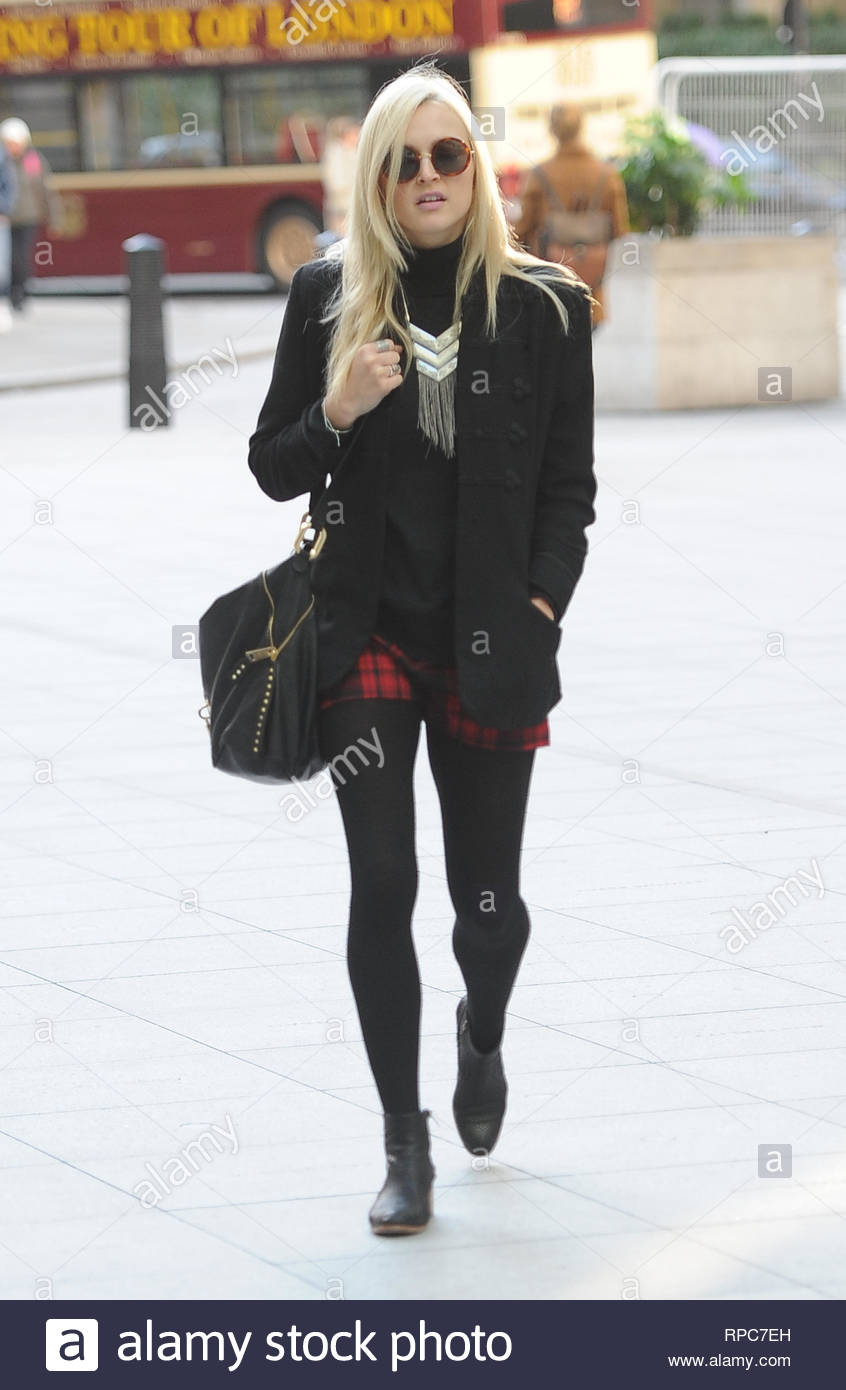 Uk English Television And Radio Presenter Fearne Cotton Arrives At Radio 1 In London For Her Day The Blonde Beauty Is Looking Great In A Black Coat