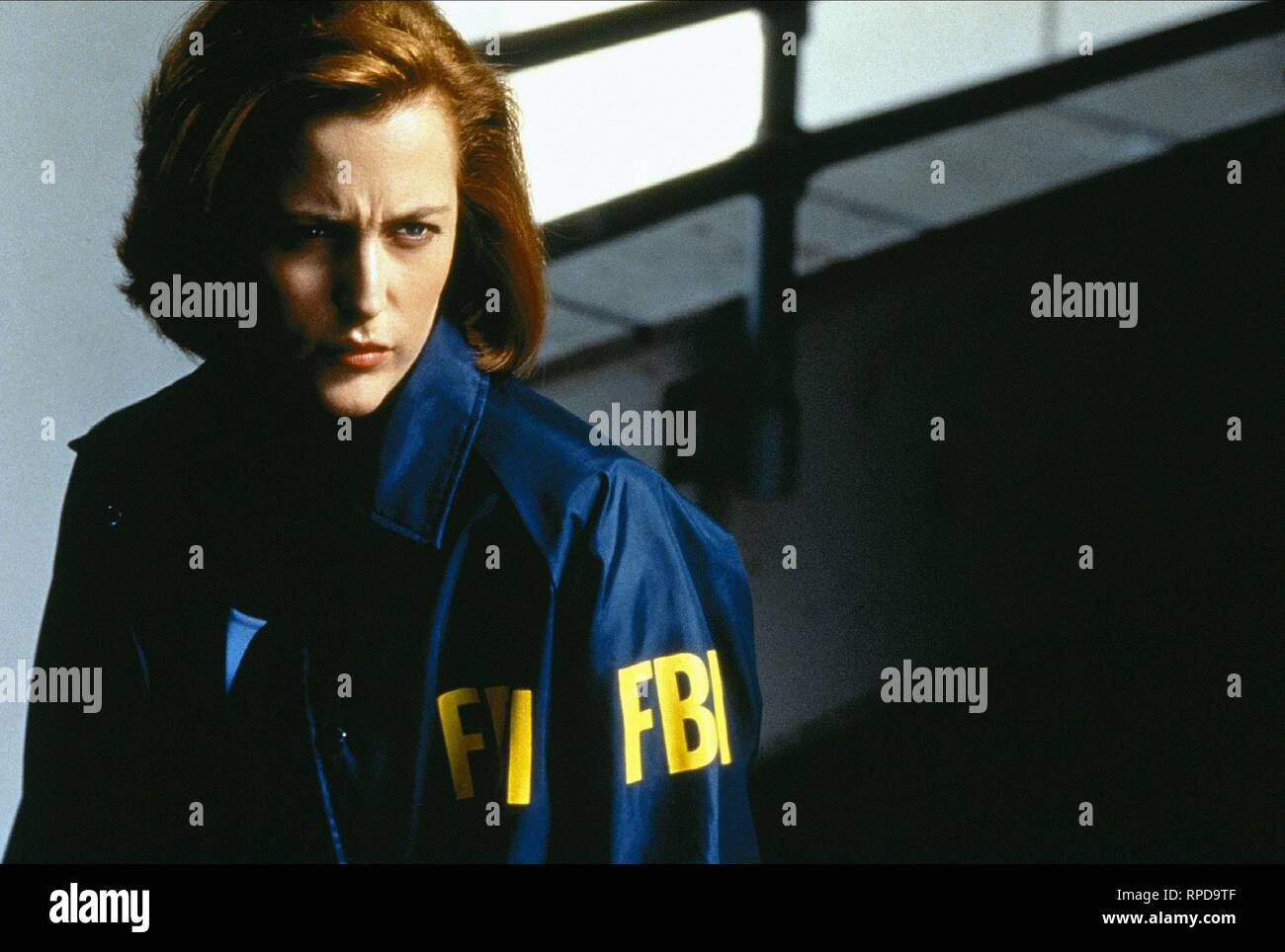 GILLIAN ANDERSON, THE X FILES, 1998 Stock Photo