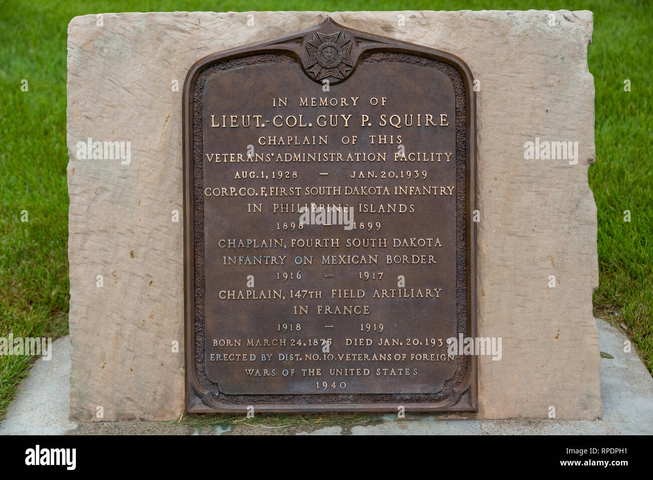 HOT SPRINGS, SOUTH DAKOTA - June 8, 2014:  A metal sign memorializing the life of Lieutenant Colonel Guy P Squire in the Hot Springs National Cemetery - Stock Image