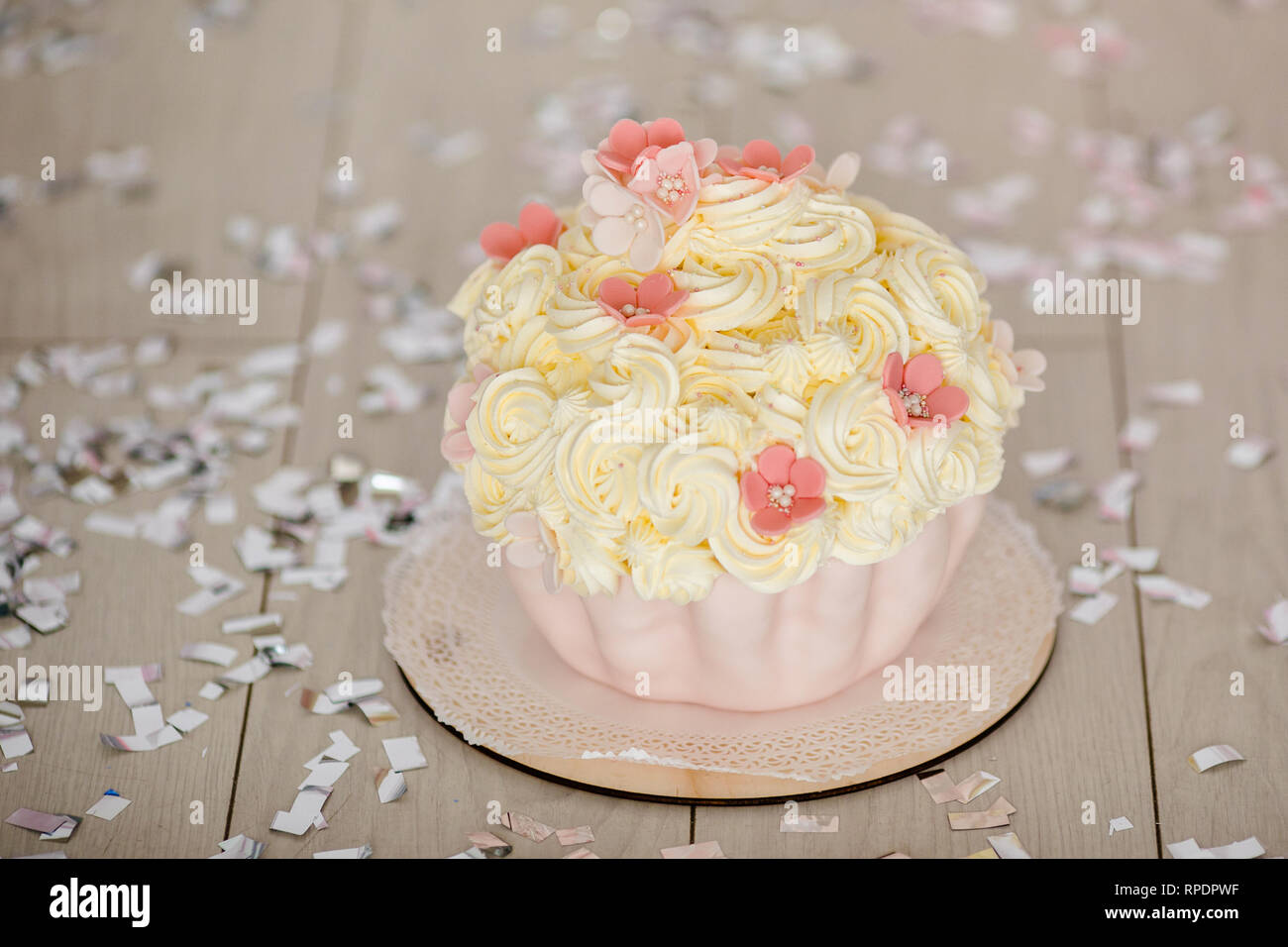 Incredible First Birthday Pink Cake With Flowers For Little Baby Girl And Funny Birthday Cards Online Alyptdamsfinfo