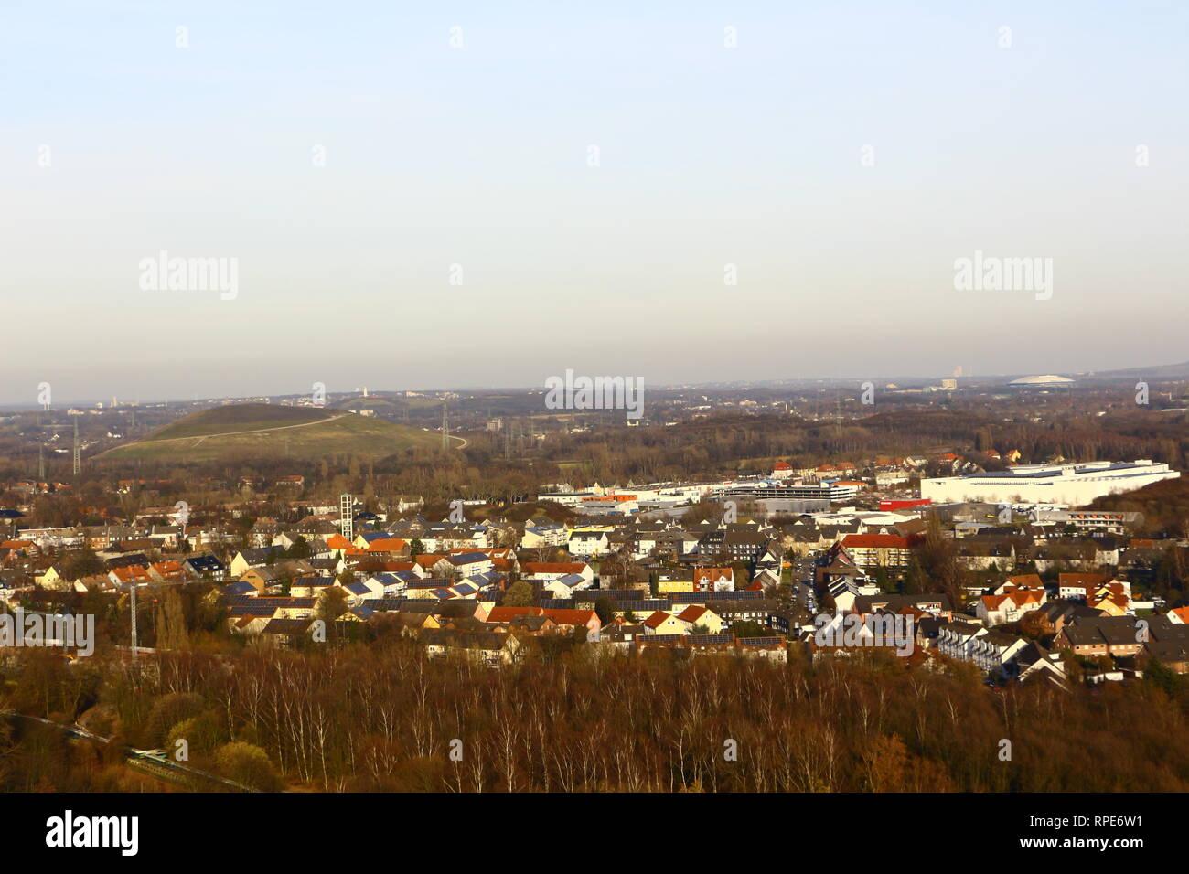 Blick von der Halde an der Beckstraße über das Ruhrgebiet - Stock Image